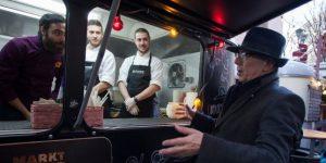 Berlinale-Chef Dieter Kosslick (Festivaldirektor) setzt beim Street Food auf Nachhaltigkeit (Foto: Berlinale / Christian Demarco)